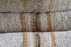 Shabby, Towel, House Design, Etsy, Rugs, Rag Rugs, Farmers, Grains, Antiquities