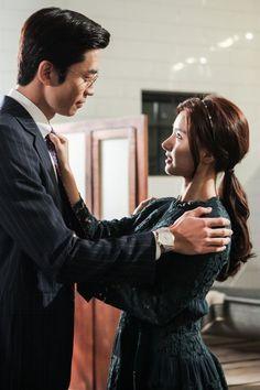 "Shin Sung Rok and Kim So Eun Are Unexpectedly Friendly in New ""Liar Game"" Still Liar Game, Kim So Eun, Gown Suit, Ideal Man, Boys Over Flowers, Korean Star, Korean Drama, Girl Crushes, Pretty Woman"
