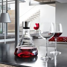 The award-winning Delta Wine Decanting Carafe brings modern appeal to a practical design. The unique shape of the closure means that when the wine is decanted, it runs down across the inner entire glass surface, thereby maximizing aeration. Kingston, Red Wine Decanter, Illinois, Ohio, Victorian Trading Company, Perfect Glass, Wine Reviews, Expensive Wine, Italian Wine