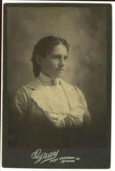 """nkisiconcorde-artdocumentary: """" Annie Oakley was born Phoebe Ann Moses (or as some sources say, Mosey) on August 13, 1860, in Darke County, Ohio. She is remembered as one of the leading women of the..."""
