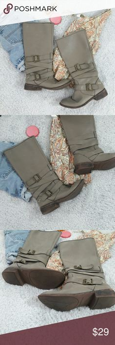Rocket Dog Tall tuape gray tall moto boots Good preowned condition trendy boots size 6.5 Rocket Dog Shoes Combat & Moto Boots
