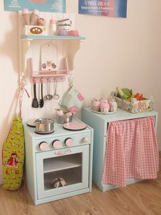 darling little play kitchen Diy Play Kitchen, Toy Kitchen, Play Kitchens, Mint Kitchen, Cubby Houses, Play Houses, Wendy House, Toy Rooms, Little Girl Rooms