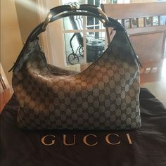 Gucci bag High quality, lightly used and includes the original Gucci carrying cloth Gucci Bags Shoulder Bags