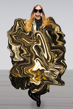 what happens when goldfinger accidentally knocks over the can of gold paint , tee, hee . avant garde fashion gone mad , freaky style KTZ - lisbeth antoine