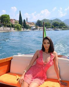 In love with Lake Como 🇮🇹 Swag Outfits, Date Outfits, Night Outfits, Casual Outfits, Fashion Killa, Girl Fashion, Fashion Outfits, Womens Fashion, Grown Women