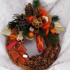 """Képtalálat a következőre: """"koszorú halottak napjára házilag"""" Christmas Wreaths, Holiday Decor, Fall, Autumn, Fall Season"""