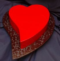 Image detail for -bright red heart shaped valentine cake. Beautiful Desserts, Beautiful Cakes, Amazing Cakes, Pretty Cakes, Heart Shaped Cakes, Heart Cakes, Fun Cupcakes, Cupcake Cakes, Fondant Cakes