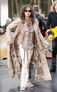 """Steven Tyler at the """"Today"""" show (November Hippie Bohemian, Hippie Chic, Bell Bottom Jeans 70s, Steven Tyler Aerosmith, Today Show, Festival Outfits, Style Icons, Style Me, Kimono Top"""