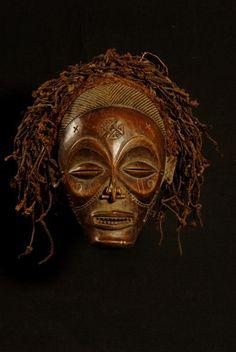 "Mask ""chihongo"" or ""Cihongo"" - Chokwe - 217 Angola"