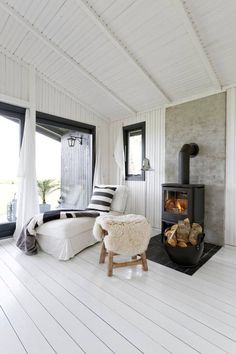 Beach Shack, French Country House, Cottage Homes, Rustic Interiors, Living Room Interior, House Design, Ceilings, Furniture, Heart