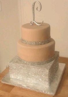 LuCrezia Graduation Cake By Cemetria on CakeCentral.com