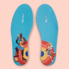 Nike lança tênis inspirado na Lola Bunny | We Fashion Trends Space Jam, Nike Lebron, Nike Snkrs, Legacy Collection, Liner Socks, Lebron James, Michael Jordan, Shades Of Blue, Bunny