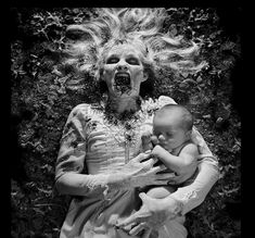 Fine Art Horror Photography By Joshua Hoffine 15 Scary pictures for scary stories! Horror Photography, Book Photography, Children Photography, Gothic Photography, Conceptual Photography, Joshua Hoffine, Images Terrifiantes, Childhood Fears, Horror Photos
