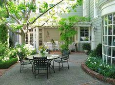 images of beautiful backyard patios   Beautiful Backyard Retreats