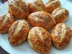 """45b Beğenme, 271 Yorum - Instagram'da Nefis Yemek Tarifleri (@nefisyemektarifleri): """"Günaydın! 🥰 Karşınızda maya kullanmadan hazırlayabileceğiniz, kıyır kıyır bir lezzet: Pastane…"""" Pretzel Bites, Baked Potato, Hamburger, Bread, Baking, Ethnic Recipes, Food, Drink, Instagram"""