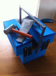 9x Sinterklaas surprise voor jongens - Howtomake.nl Valentines For Boys, Valentine Box, Diy For Kids, Crafts For Kids, Cadeau Surprise, Exploding Box Card, Cardboard Art, Reborn Dolls, Reborn Babies