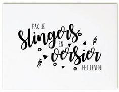 Pak je slingers en versier het leven Chalkboard Lettering, Dutch Quotes, Word Up, Life Advice, Carpe Diem, Handwriting, Texts, Thankful, Bullet Journal