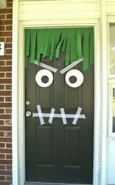 Saw this posted for Halloween BUT what an awesome entrance to a Monster Party! Halloween Tags, Theme Halloween, Toddler Halloween, Halloween Birthday, Halloween Activities, Holidays Halloween, Halloween Crafts, Happy Halloween, Halloween Decorations