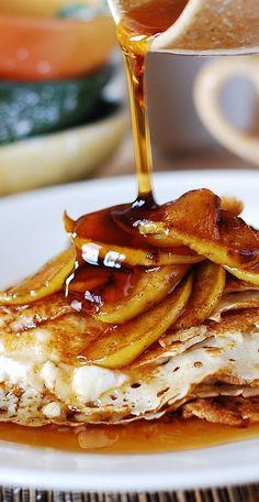 Apple ricotta crepes. Combining classic Fall flavors (cinnamon, apples, brown sugar, lemon juice) on top of a crepe | JuliasAlbum.com | #breakfast