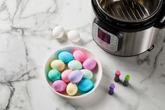 bowl of pastel dyed eggs in bowl next to instant pot and food coloring Power Pressure Cooker, Instant Pot Pressure Cooker, Pressure Cooker Recipes, Pressure Cooking, Slow Cooker, Liquid Food Coloring, Natural Food Coloring, Easter Egg Dye, Coloring Easter Eggs