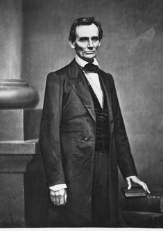 These recently released photos show Abe Lincoln like you've never seen him before - History 101 World History Map, Us History, Lincoln Life, Abraham Lincoln, American Civil War, American History, Real Detective, Crime Film, Kate Jackson