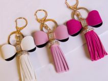 Keychains – Keychain leather tassel leather bow – a unique product by on DaWanda Purse Necessities, Leather Tassel Keychain, Leather Bow, Diy Jewelry, Jewelry Sets, Chain Jewelry, Crea Cuir, Cute Keychain, Keychains