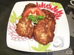 Kapustové karbanátky připravené s masem a dietně pečené v troubě.