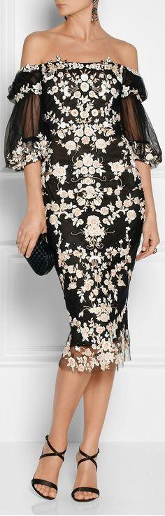 Gorgeous strapless floral lace dress fashion style v Nye Dress, Tulle Dress, Party Dress, Mode Glamour, High Fashion, Womens Fashion, Couture Fashion, Dress Fashion, Pretty Dresses