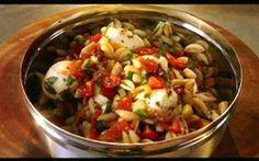Jamie Oliver ensina a fazer salada de macarrão - Receitas - Receitas GNT