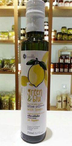 Νέο μέλος στην οικογένεια των λαδιών μας που έρχεται να πλαισιώσει την τετράδα!!! Ελαιόλαδο αρωματισμένο με μυρωδάτο ήρθε για να δώσει απιστευτη γεύση και άρωμα στις σαλάτες και στα φαγητά σας!!! Lemon Olive Oil, Olive Oils, Balsamic Vinegar, Drink Bottles, Drinks, Green, Food, Drinking, Beverages