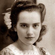 """Incluyo el cuento clásico de la semana, seleccionado por el escritor Luis López Nieves: """"La sunamita"""", por Inés Arredondo (1928-1989), destacada escritora mexicana del siglo XX: http://ciudadseva.com/texto/la-sunamita"""