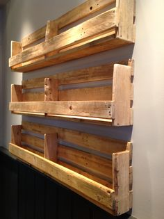 Love these shelves (used for bar menus at a pub in Moseley) Diy Pallet Projects bar Love menus Moseley pub Shelves Wooden Pallet Shelves, Wooden Pallet Projects, Wooden Pallet Furniture, Wooden Pallets, Diy Pallet Bar, Pallet Benches, Pallet Cabinet, Pallet House, Pallet Tables