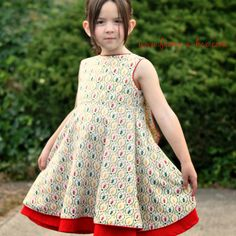 I am here today to show off the gorgeous Secret Garden Dress pattern by E+M Patterns, and tutorial by Sprouting JubeJube.  The dress features a beautiful flounce at the back, which creates a pretty…