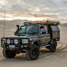 Land Cruiser desert expedition