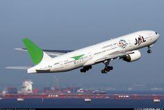 Japan Airlines - JAL JA8984 Boeing 777-246