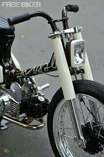 Custom Moped, Custom Motorcycles, Custom Bikes, Moped Motorcycle, Moped Scooter, Honda S90, Cafe Racer, Mini Bike, Bike Design