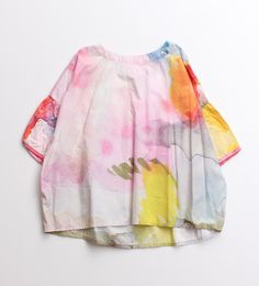 Use fabric dye on wet t-shirts and get surprised