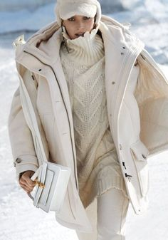 Alisa Ahmann Hits the Slopes in 'Cool & Cosy' for ELLE Germany January 2020 — Anne of Carversville Warm Fall Outfits, Winter Fashion Outfits, Cozy Outfits, Snow Fashion, Fashion Looks, Monster High, Editorial Fashion, Fashion News, Fashion Photography