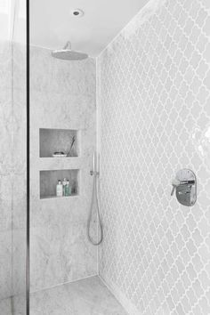 41 Cool And Eye-Catchy Bathroom Shower Tile Ideas