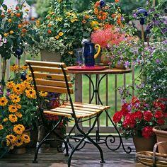 """""""Bom dia! Cultive com carinho seu jardim e escolha no Westwing as peças que vão…"""