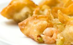 Shrimp and Vegetable Wontons. My love affair with the wonton continues with these crispy wontons filled with bay shrimp vegetables garlic and a little Chinese 5 spice. Shrimp Wonton, Crispy Wonton, Fried Shrimp, Healthy Recipes, Quick Recipes, Asian Recipes, Chinese Recipes, Asian Foods, Special Recipes