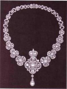 Queen Victoria Necklace. She wasn't the most beautiful queen but she sure had taste!! Her massive personal collection proves it!!