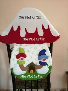 ins piracoes natalinas her crochet Christmas Sewing, Red Christmas, Christmas Stockings, Holiday Ornaments, Holiday Decor, Halloween Games, Chair Covers, Diy Fashion, Diy And Crafts