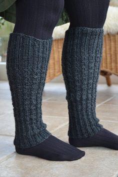 Baby Hats Knitting, Knitting Socks, Knitted Hats, Knitting Projects, Knitting Patterns, Boot Cuffs, Thing 1, Leg Warmers, Knitwear