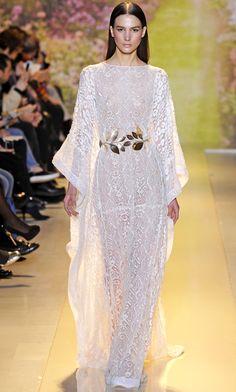 White embellished lace caftan + golden metal leaf belt   Zuhair Murad Spring Summer 2014 Haute Couture  #fashion #dress ============ ide cantik untuk kaftan dengan bahan brocade atau lace, bisa juga bahan shiffon. penjahit baju 0821.4284.5152