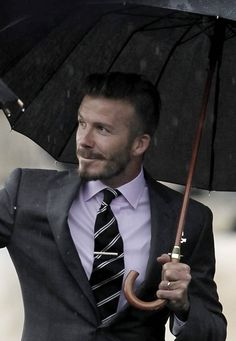 ╰★╮The best-dressed white man in Tinsel Town, In my opinion, is David Beckham!!