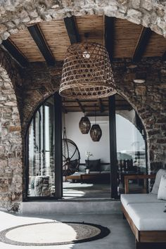 Luxe boho – My Mykonos Hotel Mykonos Villas, Mykonos Hotels, Rustic Design, Modern Design, Rustic Decor, Conception Villa, Party Kulissen, Stone Archway, Terrasse Design