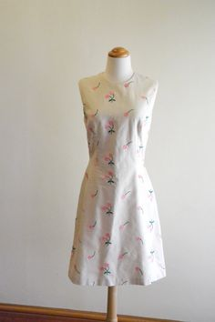 Fitted 50s / 60s style shift dress with embroidered by ReallyTruly