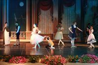 Studio 3 Ballet, scuola di danza Classica, Moderna e Contemporanea. Si trova a #Termoli dal 1985, in una nuova e moderna struttura. www.studio3ballet.it