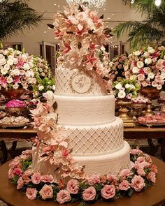 amazing wedding cakes fancy wedding cakes Weddings Ideas - Delightfully classy setup and tips to create a grand wonderful day. Eager for extra unique example, jump to the link 5692035947 this instant. Fancy Wedding Cakes, Beautiful Wedding Cakes, Wedding Cake Designs, Beautiful Cakes, Dessert Wedding, Quince Cakes, Quinceanera Cakes, Cake Trends, Unique Weddings